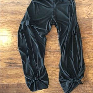 Slide slit yoga pant
